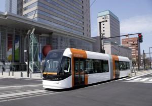 富山市内を走る公共交通のLRT